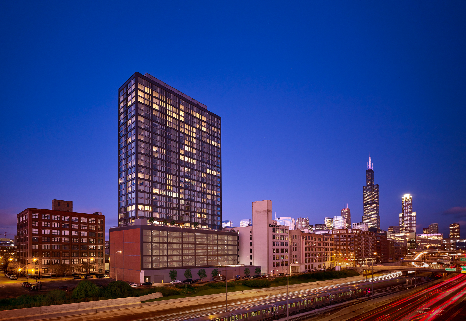 related-corporate-luxury-rental-cut-sheet-properties-default-landmarkwestloop-hero-1-14-19-scaled.jpg